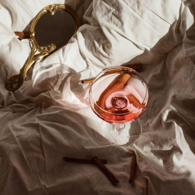Guardare le cose dall'alto ti fa cambiare prospettiva. Se riuscissimo a guardarci dall'alto metteremmo un sacco di cose a posto, come in una enorme scacchiera della vita.  #gin #gintonic #bar #cocktail #instagood #aperitivo #cocktailbar #ginlovers #happyhour #italia #pugliagram #weareinpuglia #mumamoments #igerspuglia #ig_puglia #bari #monopoli #andria #taranto #brindisi #trinitapoli #mare #ig_italy