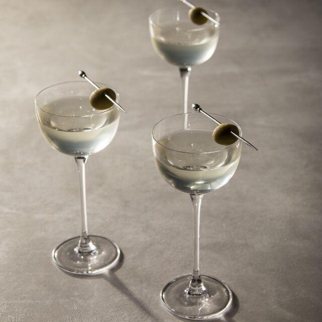 Muma Dirty Martini  Ingredienti:  5 cl Muma Gin 0,5 cl Salamoia di Olive 0,5 cl Vermouth Dry  Heritage:  Il re dei cocktail abbinato a quello che è l'origine del gin andando ad aggiungere sapidità grazie alla salamoia di oliva.   #mumagin #comequelbaciosalato #baciosalato #mumamoments #gin #gintonic #bar #cocktail #instagood #aperitivo #cocktailbar #ginlovers #happyhour #italia #pugliagram #weareinpuglia #igerspuglia
